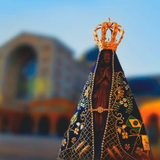 Paróquias dedicadas à Nossa Senhora Aparecida festejam a padroeira do Brasil