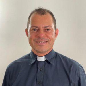 A Arquidiocese parabeniza o Padre Márcio José por sua conclusão de Mestrado em teologia.